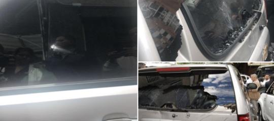 Venezuela spari sassate autoGuaido