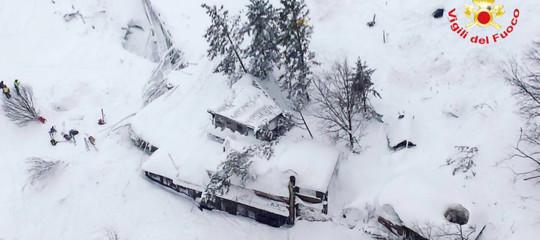 Rigopiano valanga resort tragedia 29 morti