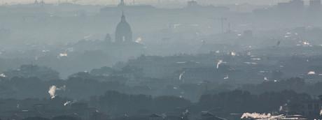 Smog e inquinamento sulla capitale (Agf)