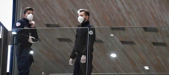 virus cina controlli italia medici aeroporti