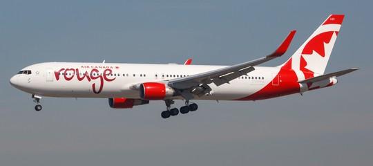 Spagna atterraggio emergenza air canada