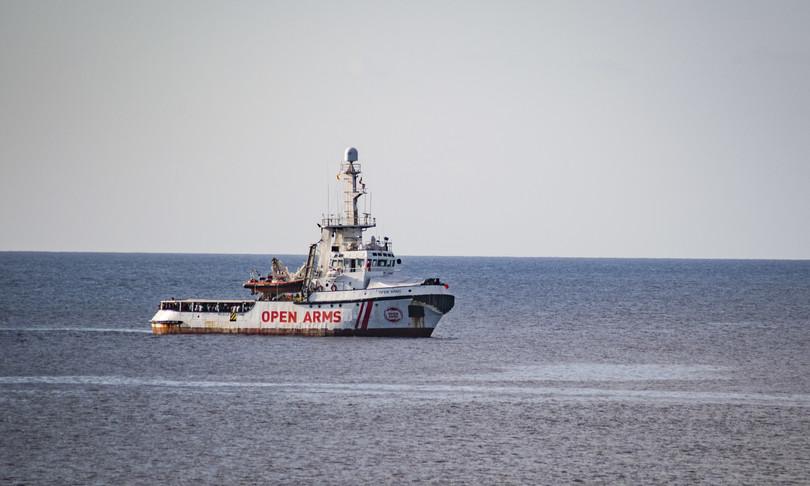 migranti open arms sbarco pozzallo