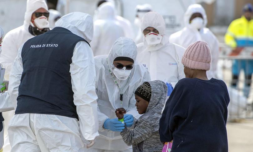coronavirusimmunità etnica stranieri contagi galli