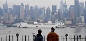 Una nave ospedale da mille letti è arrivata a New York