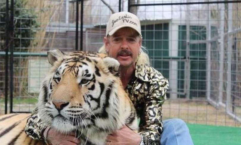 La parabola di Joe Exotic, Tiger King di Netflix in 'gabbia' col ...