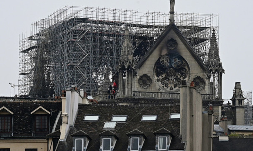Notre Dame via operazione smontaggio delle impalcature