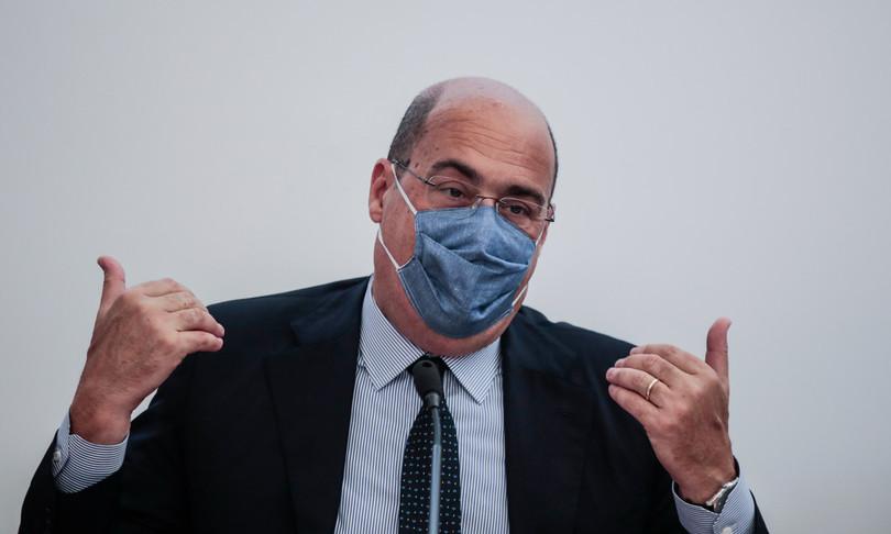 zingaretti scellerati tolgono mascherina per propaganda