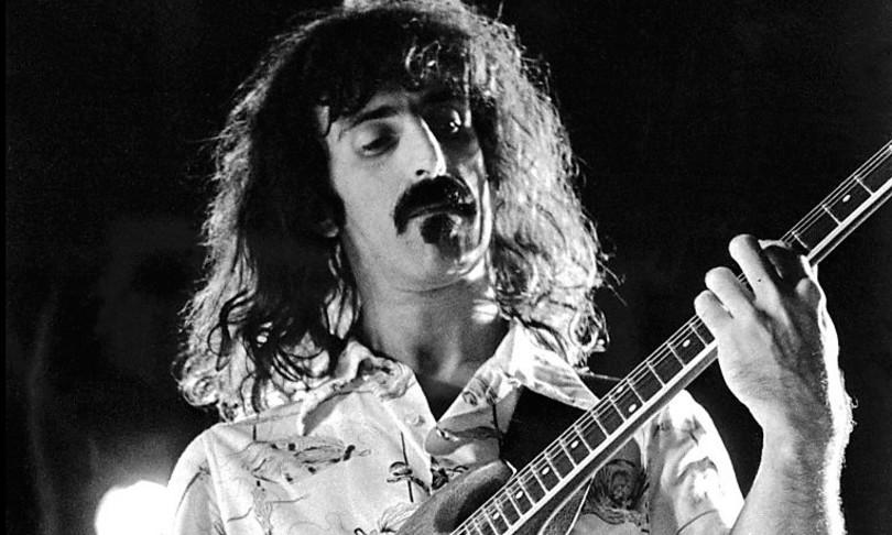 Ottant'anni fa nasceva Frank Zappa, genio e provocatore che cambiò la musica