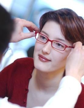 Arrivano le lenti intelligenti per rallentare la miopia