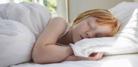 La Luna influenza la quantità e la qualità del sonno. Uno studio