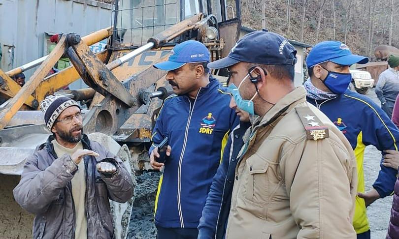 Corsa contro il tempo per salvare 200 dispersi sull'Himalaya