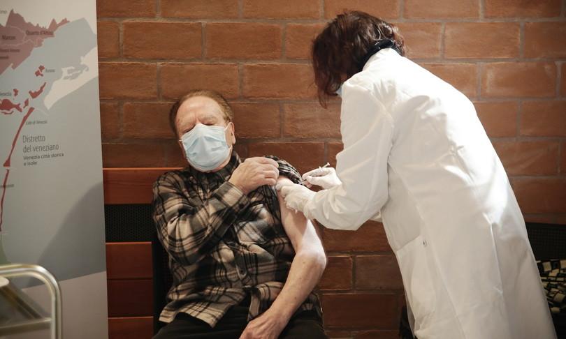 disordinata campagna vaccinale regioni italiane