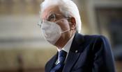 Mattarella visita il centro vaccinale alla Nuvola di Roma