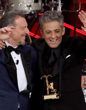 Sanremo: Salini fa un'offerta in diretta a Fiorello e Amadeus. E lui apre