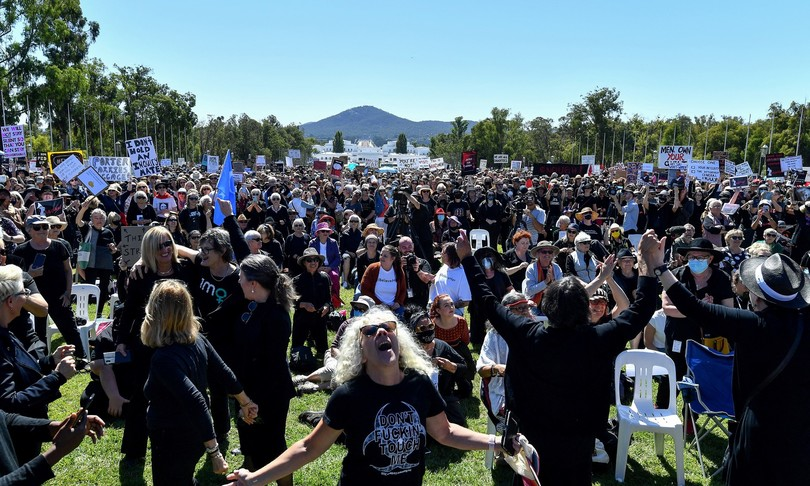 australia migliaia manifestano contro la violenza alle donne