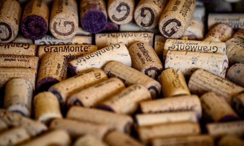cresce mercato tappi vino sughero