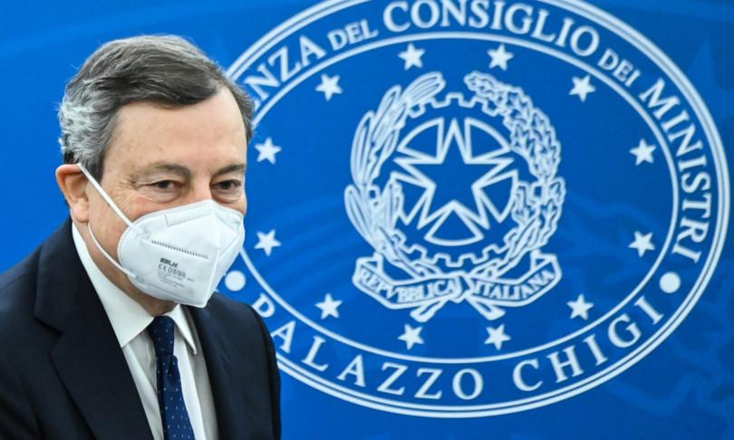 Draghi riapre scuola annuncia sanzioni per sanitari che non si vaccinano