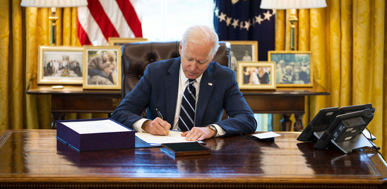 La linea dura di Biden, sanzioni a Mosca per interferenze e cyber attacco
