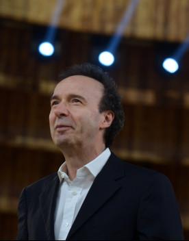 Archivio Luce pubblica il primo tentativo (fallito) di regia diBenigni
