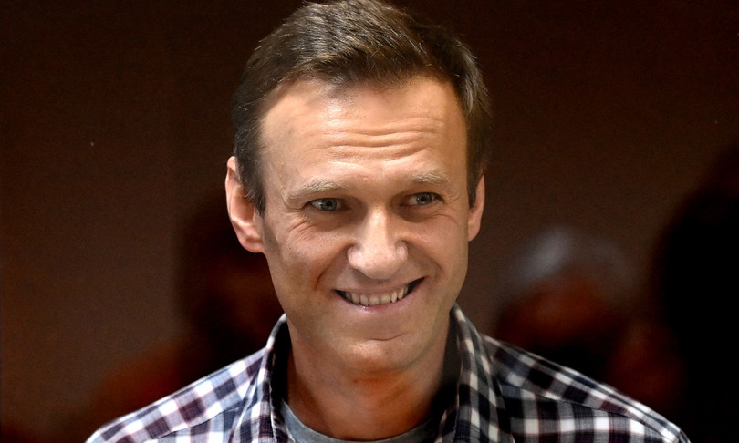 Navalnysta morendo team convoca proteste piazza appello figlia