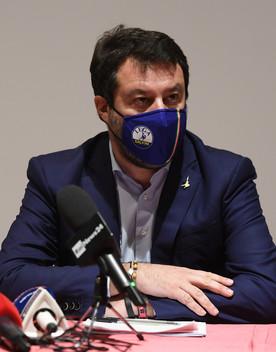 """""""Stop al coprifuoco o modello Madrid"""", dice Salvini"""