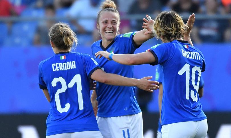 Deloitteconsiglia di investire nel calciofemminile