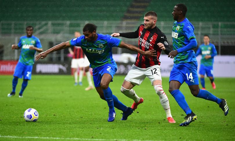 calcio inter resta in testa milan sconfitto da sassuolo
