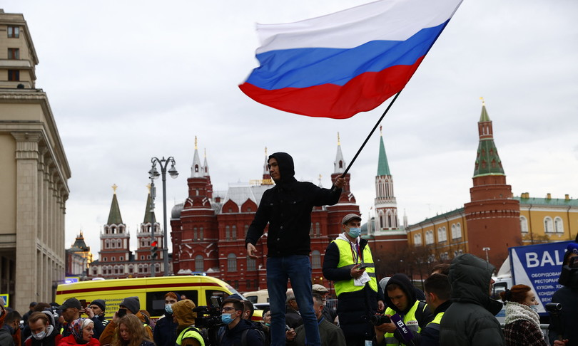 navalnyarrestati mille manifestanti russia
