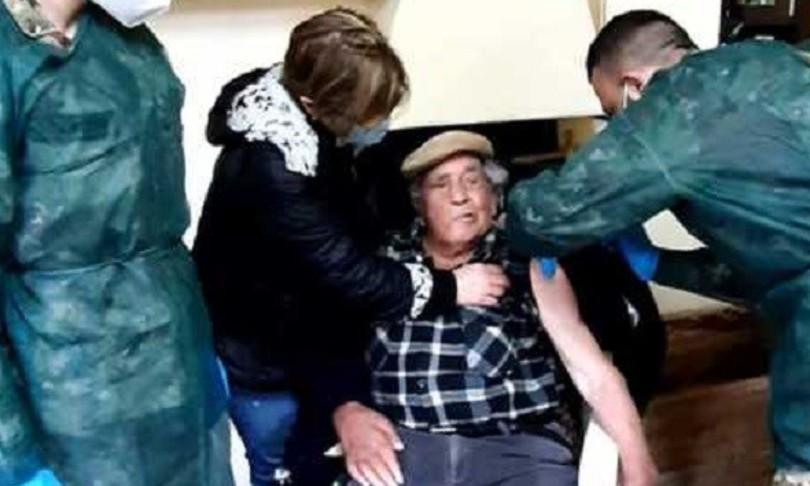 Coivid Vaccino reduce guerra Calabria