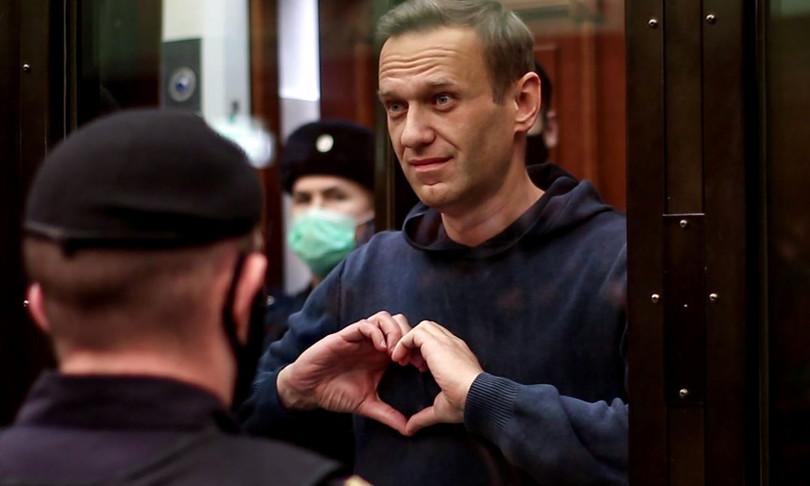 russia navalny interrompe sciopero fame