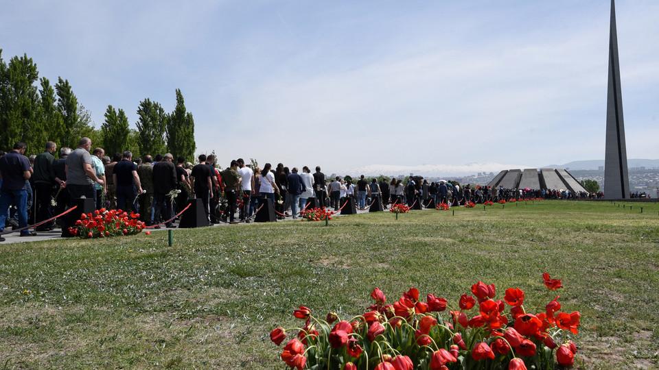 Erevan,commemorazione del 106esimo anniversario dell'inizio del massacro degli armeni