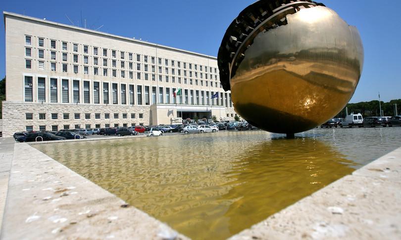 Russia espelle diplomatico italiano rappresaglia caso Biot