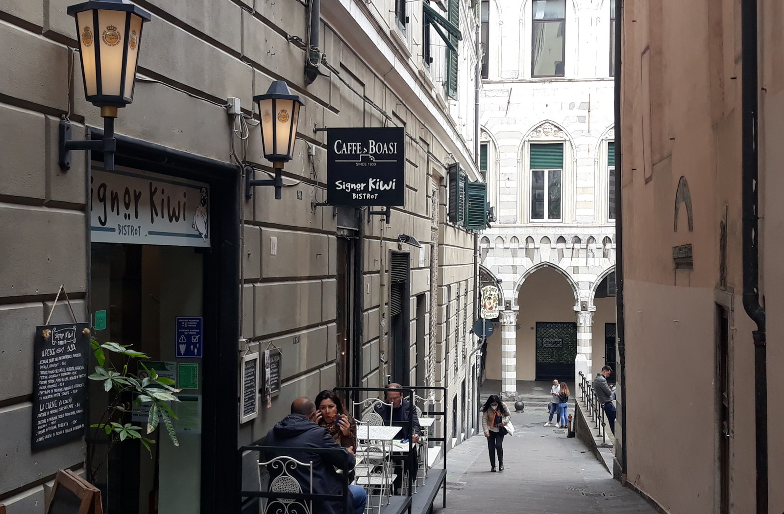 Le riaperture a Genova