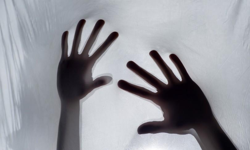 sacerdote enna arrestato violenze sessuali su minori