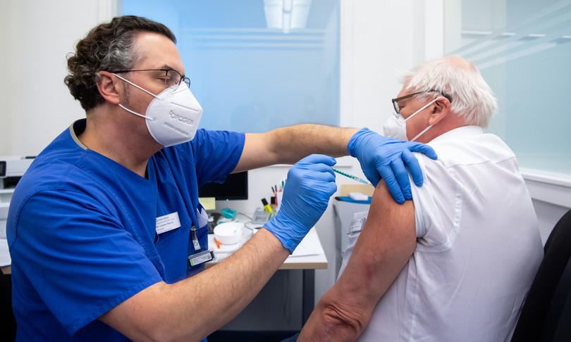 vaccinoPfizerservira terza dose dopo 9 mesi