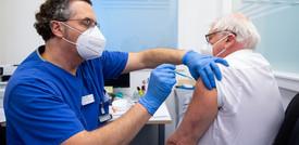 Il vaccino Pfizercopre fino a un anno. Lo ha detto il fondatore di BioNtech