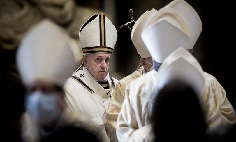 papa nuova legge anti corruzione per cardinali e dirigenti vaticano
