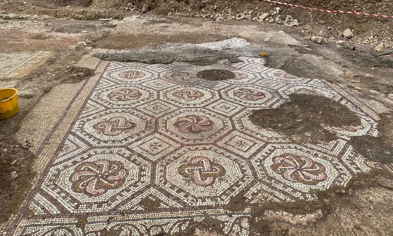 Archeologia mosaici villa romana vigneti Amarone