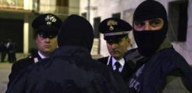 Per l'attentato al centro vaccinale di Brescia arrestati due no vax