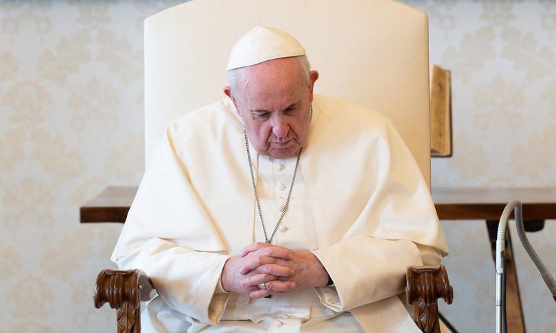 papa francesco cardinali processo tribunale doppia mossa