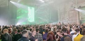 Tremila persone ballano in discoteca senza mascherina a Liverpool