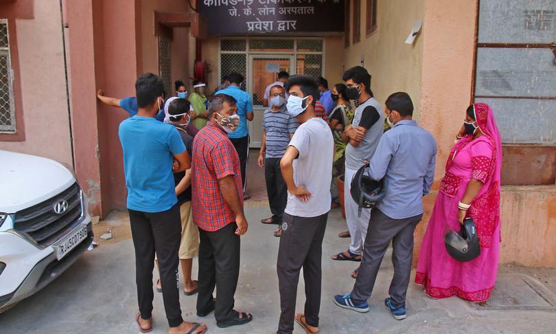 india emergenza covid morti vaccinazioni