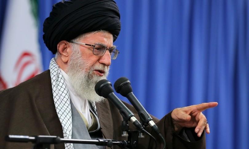 khamenei attacca audiozarif ripete parole del nemico