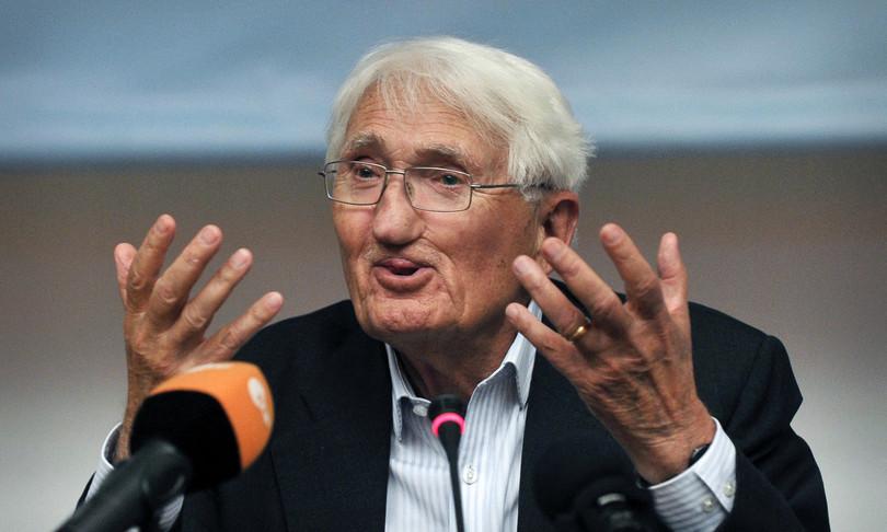 Germania polemiche Habermas rinuncia premio Abu Dhabi