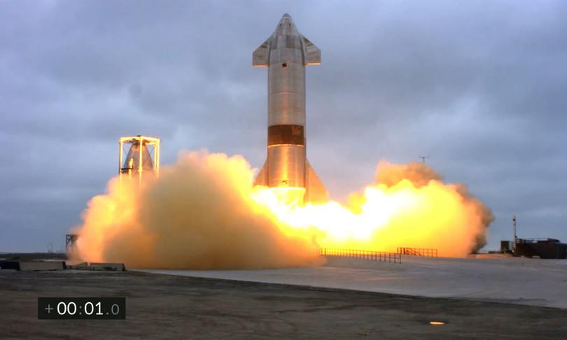 spaziospacex fa atterrare con successo razzo starship