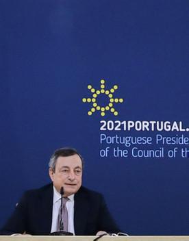 """Dati incoraggianti e riaperture graduali. Il piano di Draghi """"per tornare a stare insieme"""""""