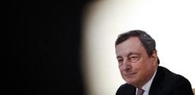 """La cautela di Draghi sulla liberalizzazione dei brevetti: """"Non garantisce la produzione di vaccini"""""""