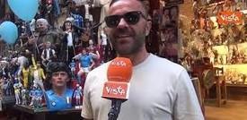 Gli artigiani di San Gregorio Armeno a Napoli ripartono da Maradona: