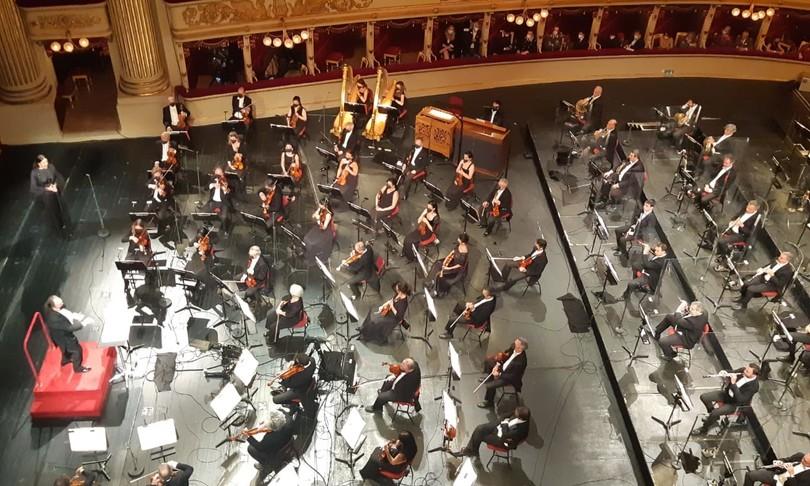 Scala riapre tra applausi con Chailly e chiede piu pubblico