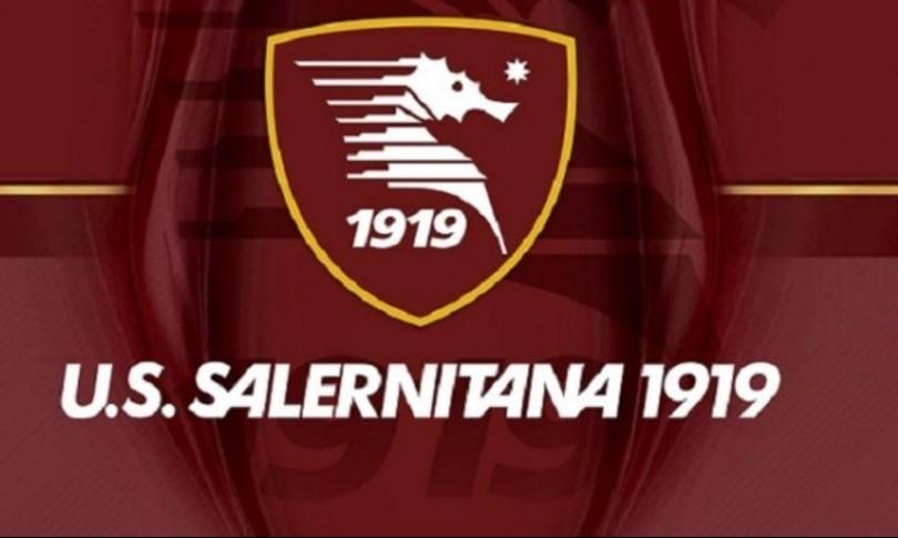 Calcio Salernitana torna in A migliaia in strada